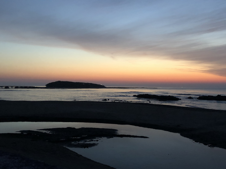 日の出間近の青島